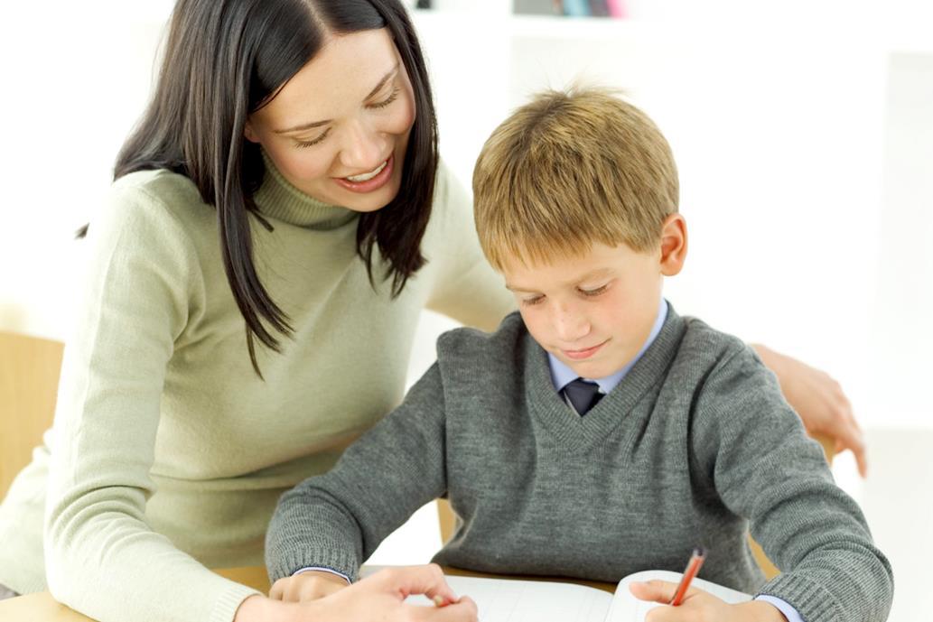 Anak belajar menulis