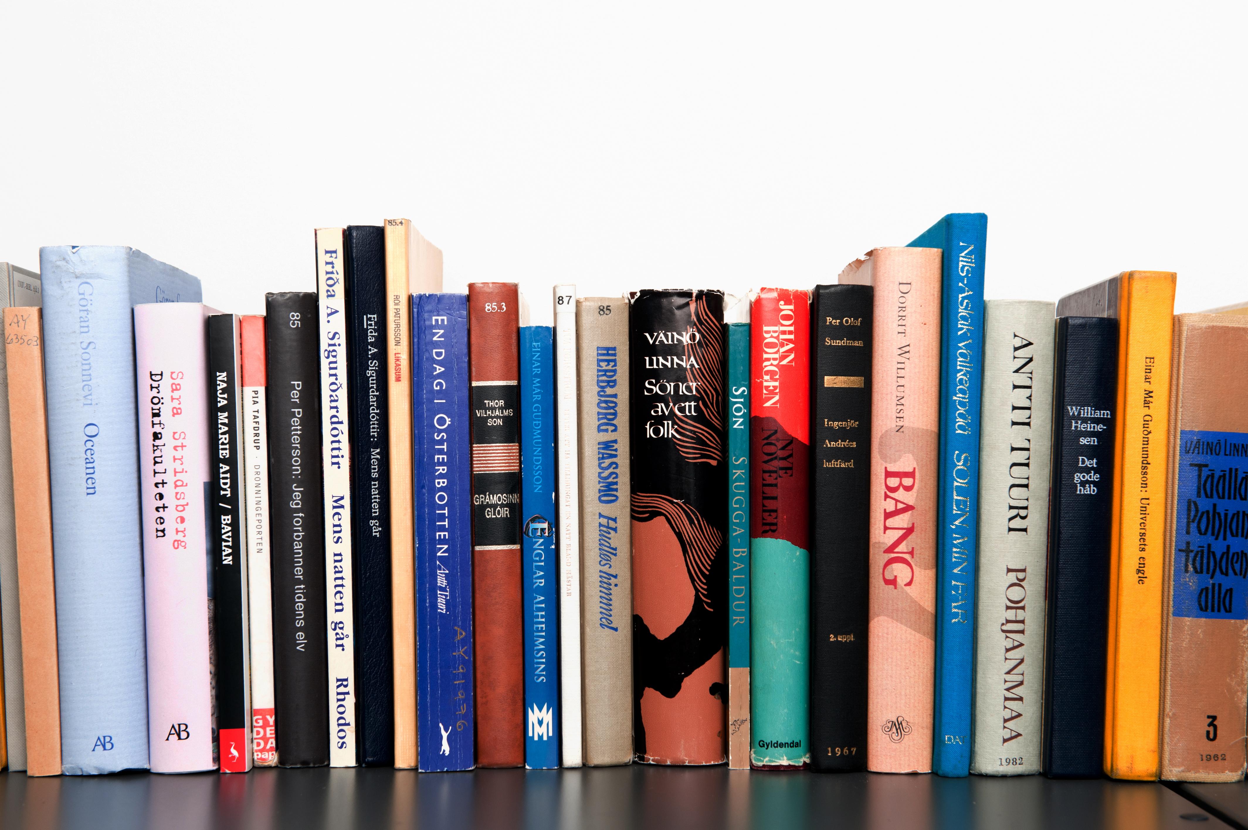 Biasakan Menulis Buku Harian