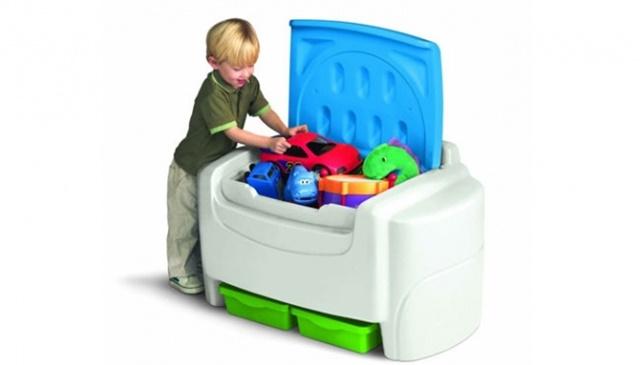 Merapihkan Mainan Anak