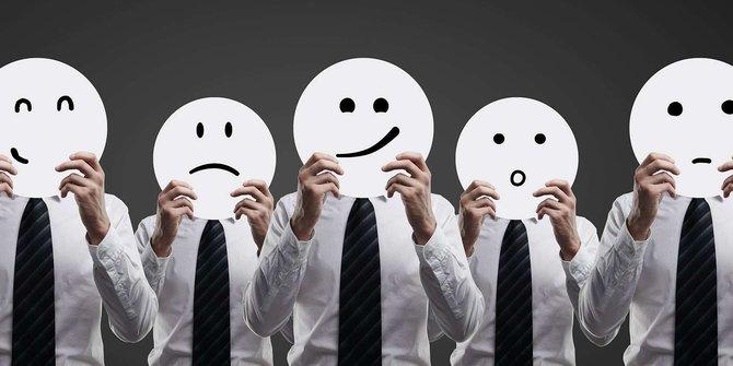 Mengembangkan pola sosialisasi serta emosi