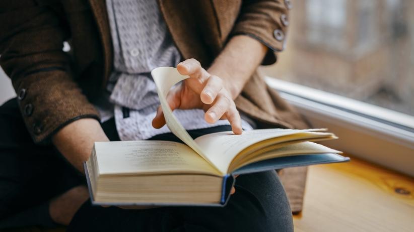 Membudayakan Kegiatan Membaca - Softheme Blog