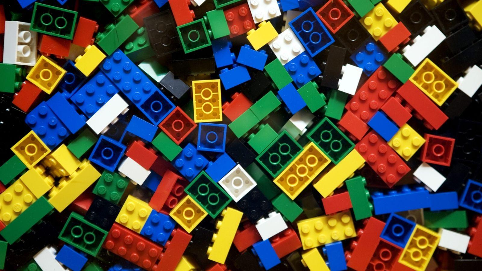 Lego - i.kinja-img.com