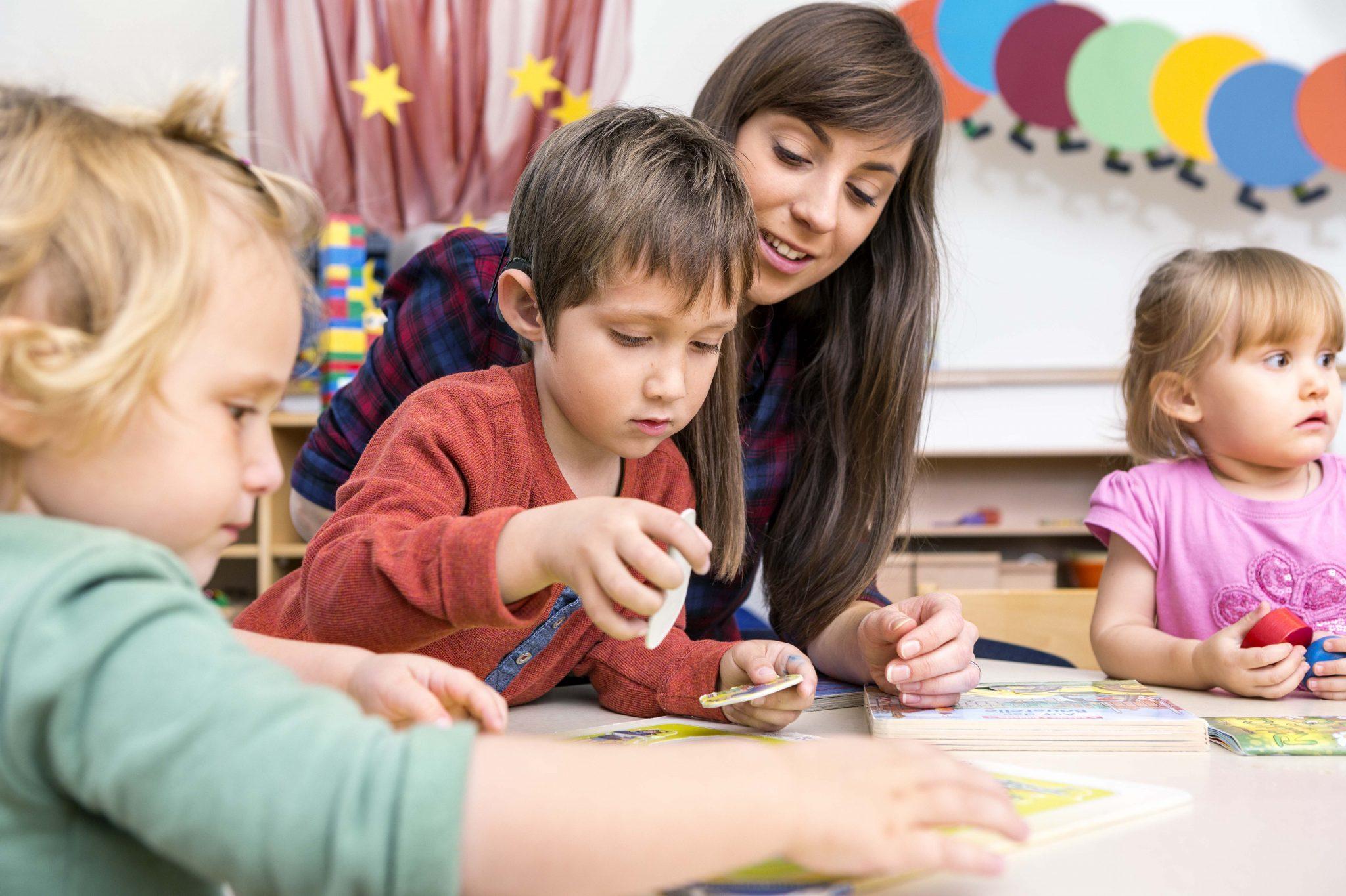 Mendukung Proses Belajar Anak-medel.com