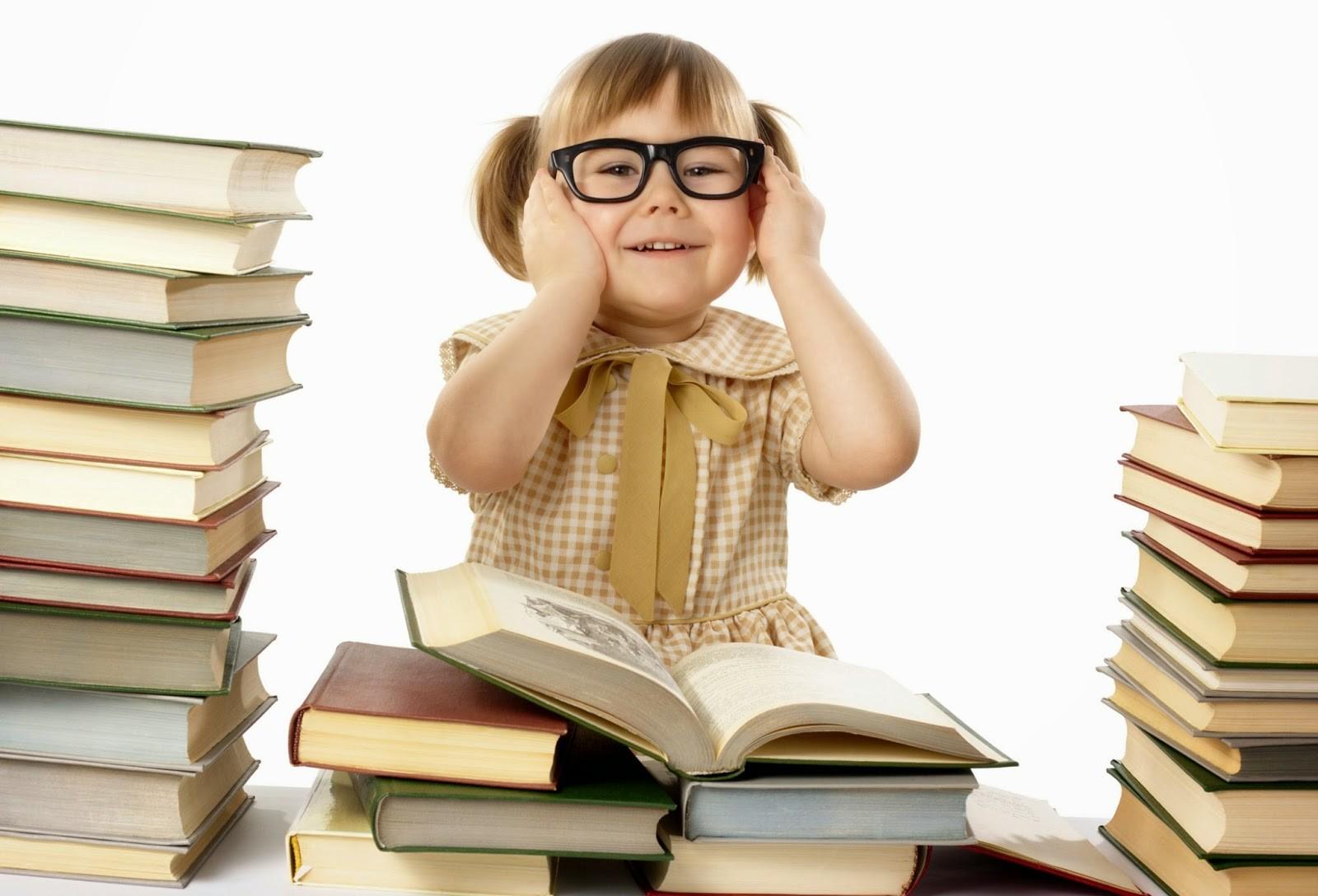 Tahukah Anda Manfaat Membaca Buku Sejak Usia Dini? - EduCenter