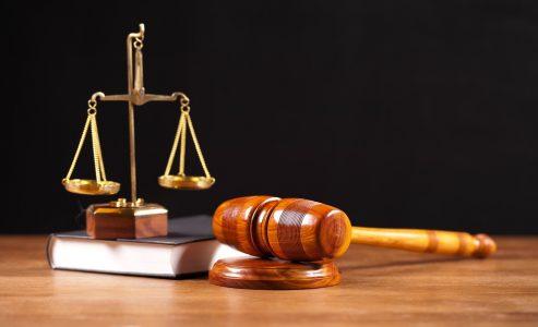 Berkuliah Jurusan Hukum