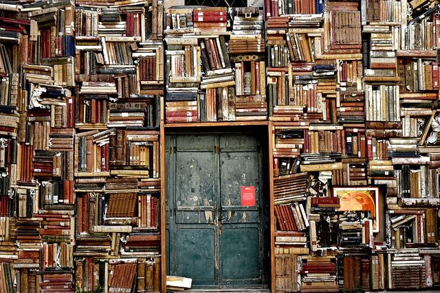 Persiapkan buku-buku di rumah