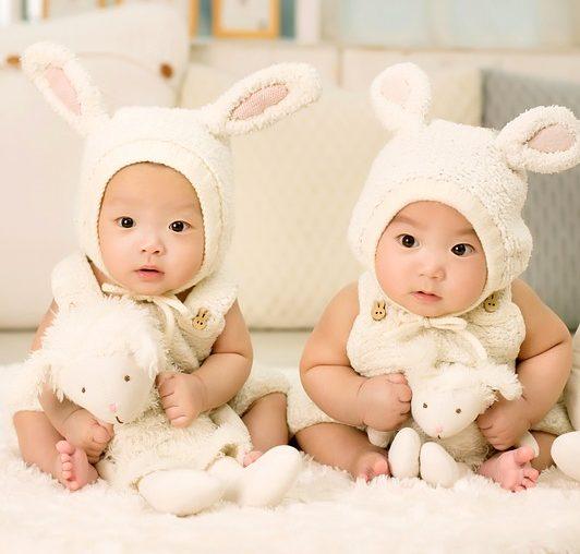 Mengasuh Anak Kembar