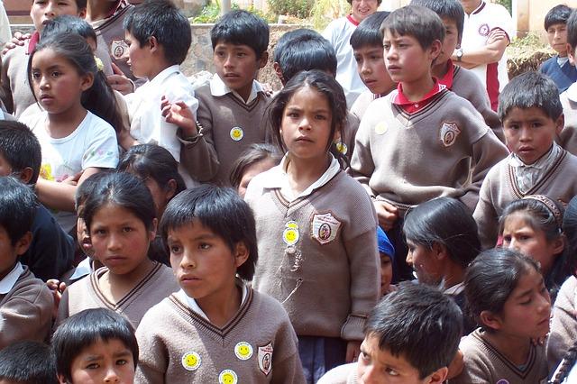 perlengkapan sekolah anak