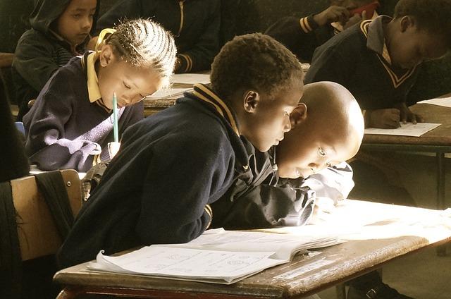 sekolah swasta atau negeri