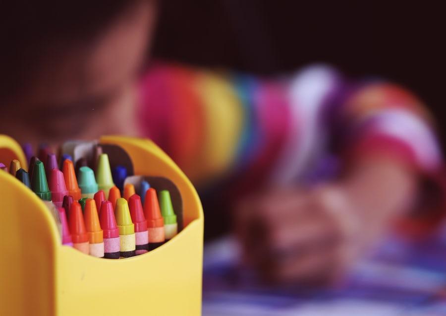 Mengajarkan anak membaca dan menulis